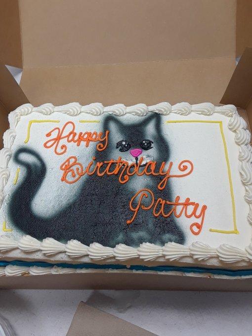 Happy birthday King DIAMOND!! My birthday cake my coworkers got for me today!!
