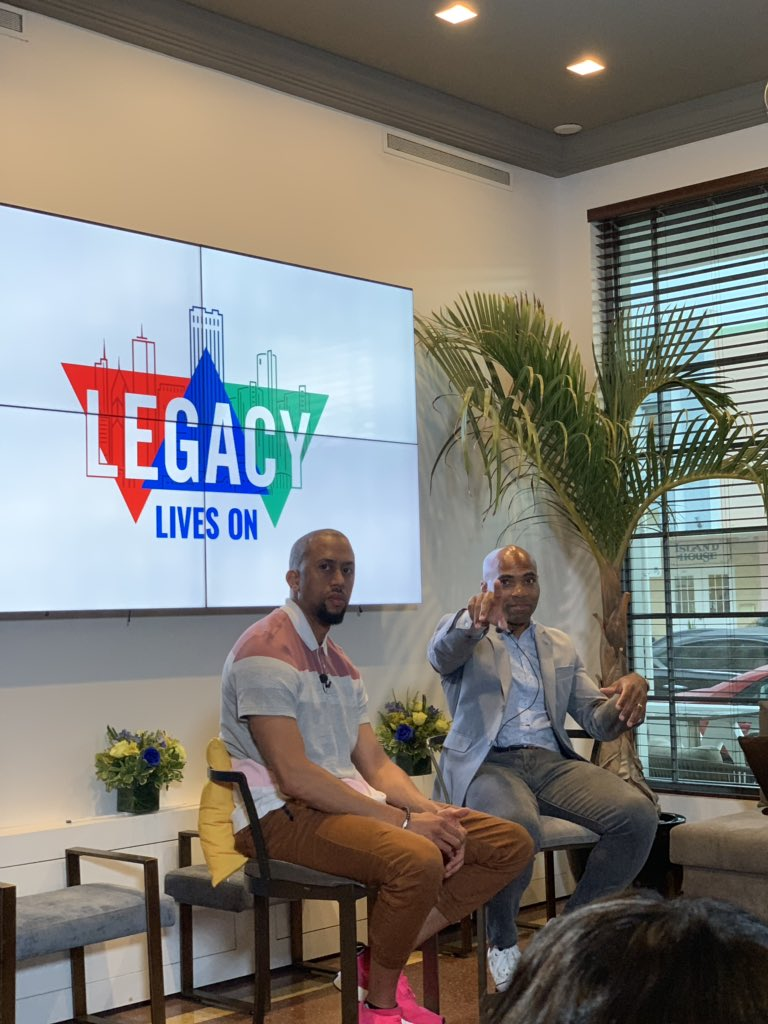 Let me just say that @AFFIONCROCKETT dropped a few nuggets at the Cocktails. Conversation and Financial Facts chat with one of my favorite moderators @DelvinJoyce33 #legacyliveson #financialwellness