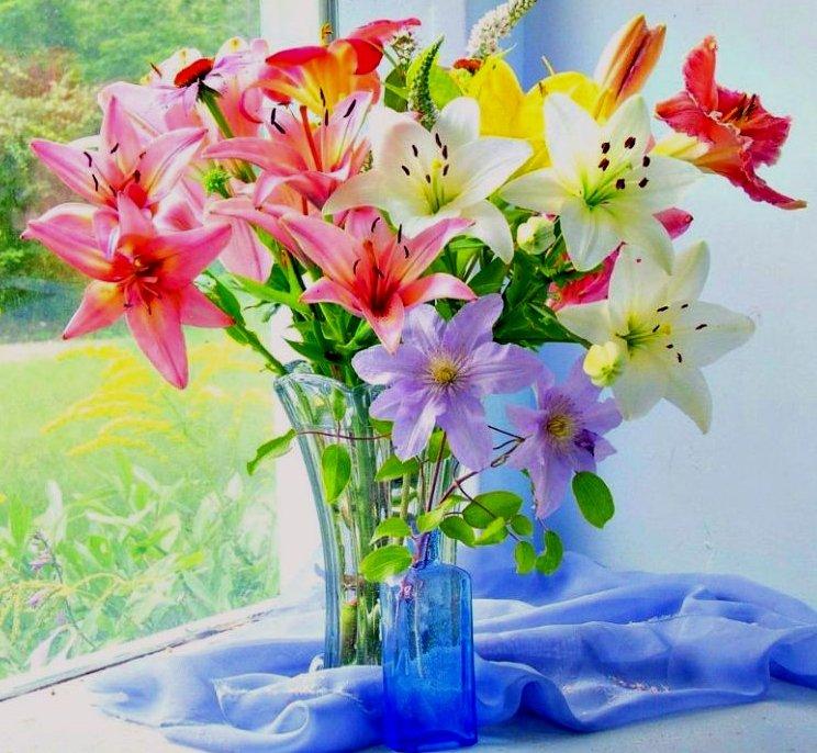 Открытка цветы лилии с днем рождения