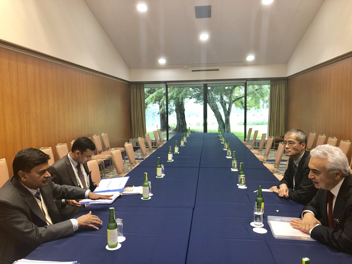 Hon'ble Minister of @MinOfPower & @mnreindia @RajKSinghIndia had meeting with Dr. Fatih Birol, Executive Director IEA on the margins of #G20 #Energy and Environment Ministerial meeting and discussed cooperation between India and IEA in India and other countries.
