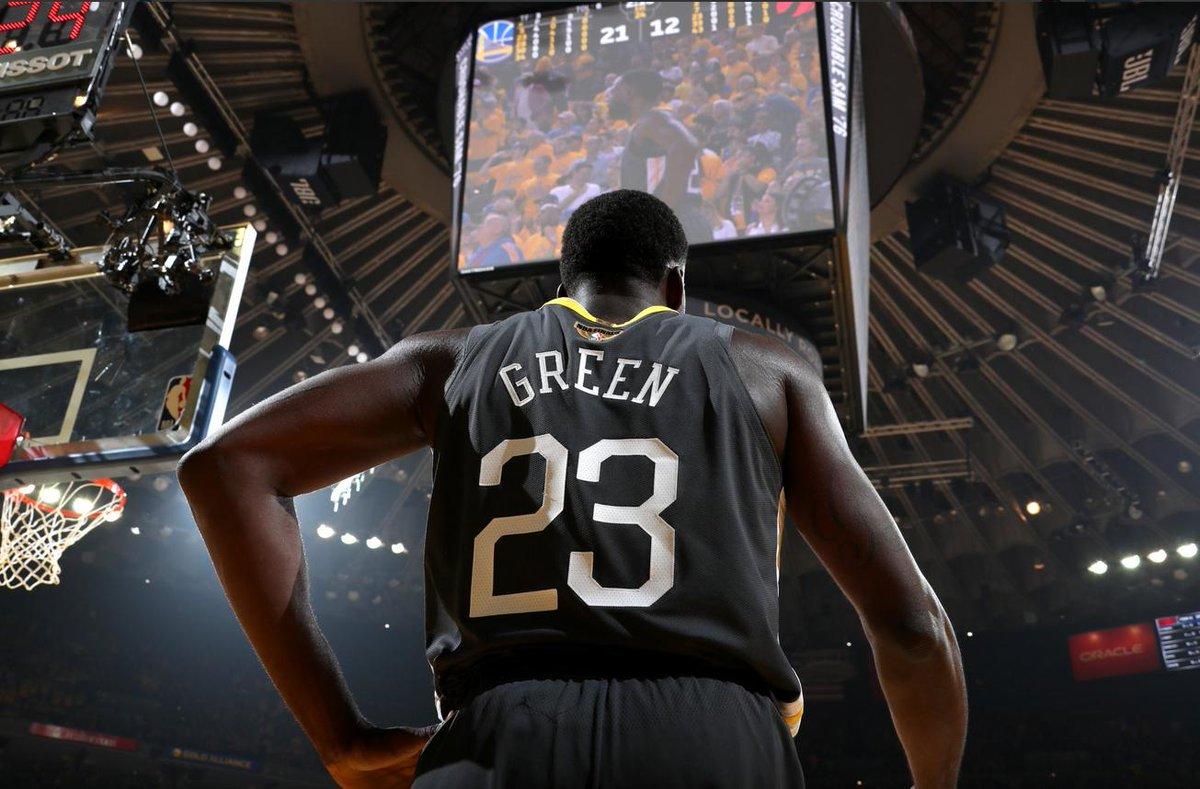 總冠軍賽場均40.8分鐘,轟12.5分10.8籃板9.3助攻,這樣的追夢綠值得頂薪嗎?