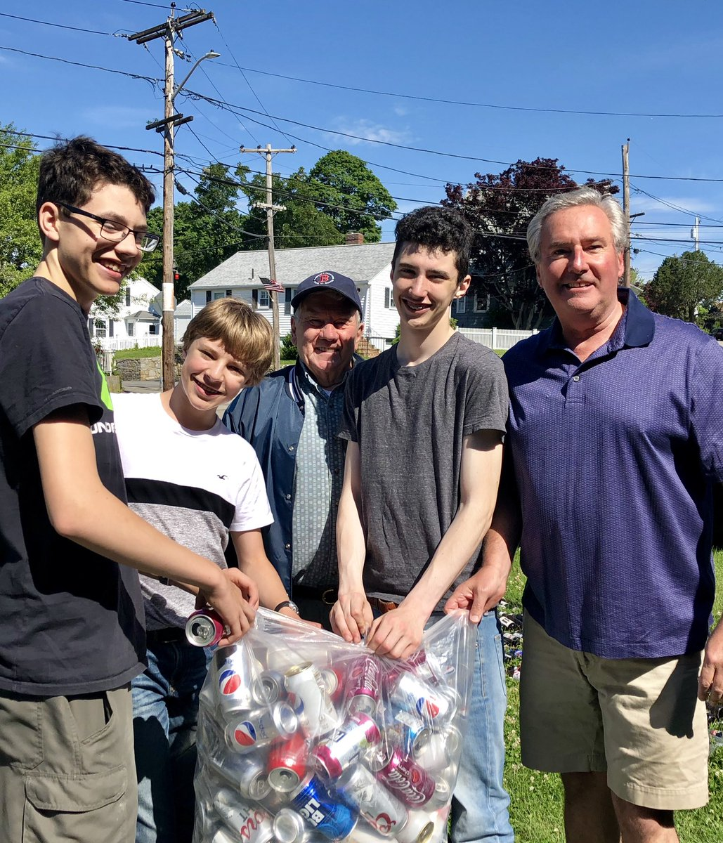 Stop by the First Church in #Squantum this morning to support the Boy Scout bottle drive .#boyscouts http://www.boyscouttroop42.org  @SquantumScoop #MApoli @CityofQuincy #Scouting