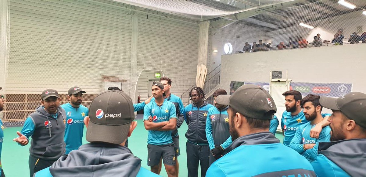 Huddle ahead of training session in Manchester.#WeHaveWeWill #CWC19