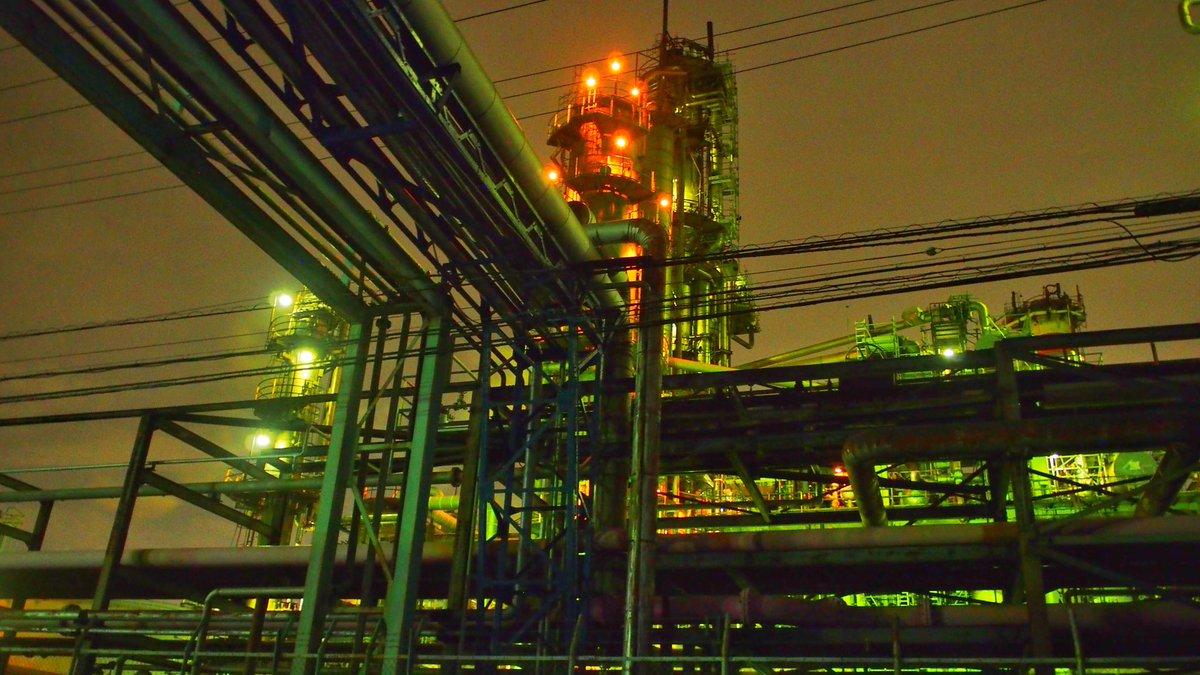 工業地帯が好きでよくこの時間から遊びに行きます。たまにヤベー感じのチンピラに絡まれます。