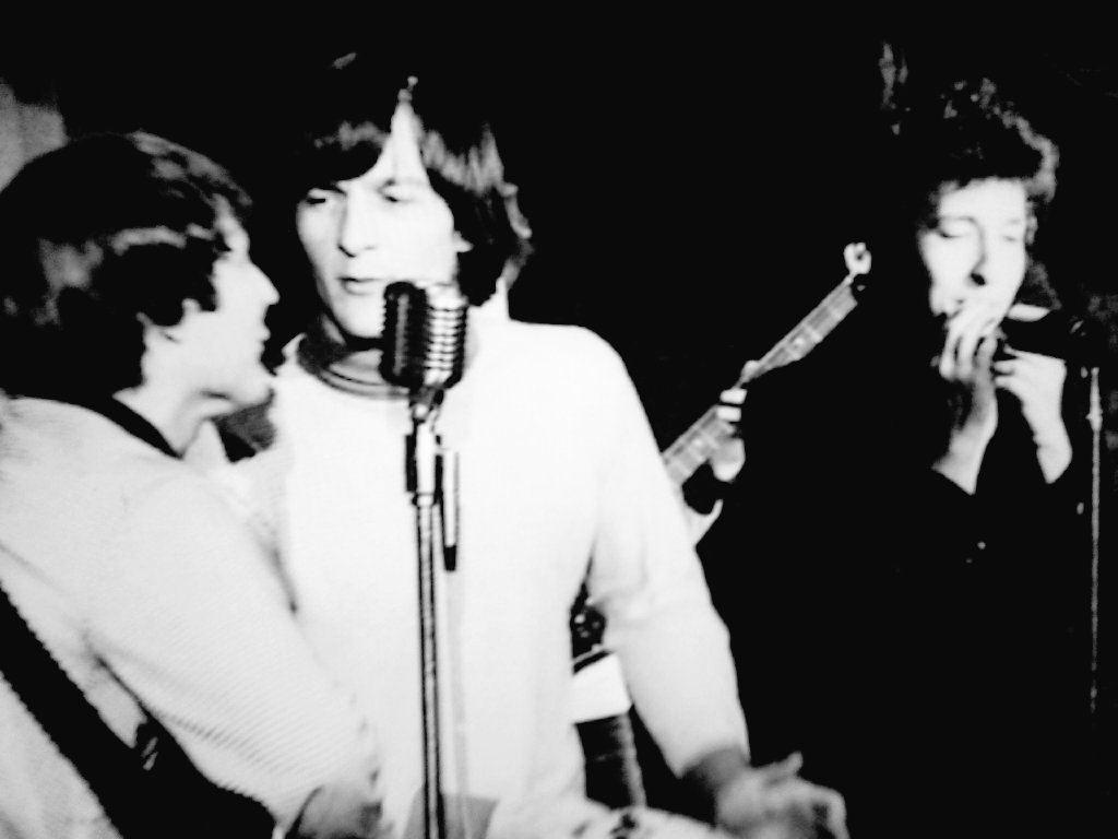 Gene Clark and David Crosby of the Byrds share the stage with Bob Dylan at Ciro's, 1965  #GeneClark #DavidCrosby #TheByrds #BobDylan #SHoF #singersongwriter #folkrock #countryrock #classicrock #ciros #GetGeneIn #EchoInTheCanyon<br>http://pic.twitter.com/KrHvIGZhPn