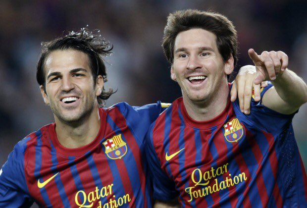 """Cesc Fàbregas (AS Monaco): """"Messi reinvents himself season after season. Maybe he is not the player who dribbles past three, four or five players and scores an outstanding goal any more. Instead, now, he prefers to do 50-yard passes, leaving Alba 1v1 with the goalkeeper."""" [goal] <br>http://pic.twitter.com/DL9iRgIfbj"""