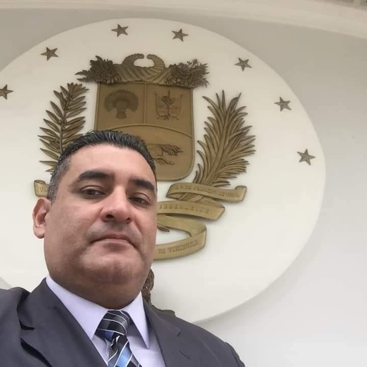 Colombia - Gobierno (interino) de Juan Guaidó - Página 20 D9GPPfuU0AAKFJz
