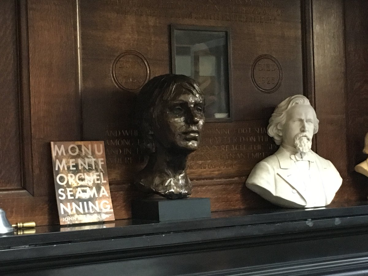 Full house for @IWW_IWOCs session Trans & Queer Approaches to Prison Abolition @ConwayHall Library, looked over by this beautiful bust of @xychelsea. There is no such thing as a single-issue struggle because we do not live single-issue lives (Audre Lorde)