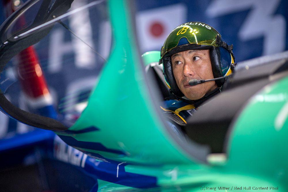 【RBAR2019第2戦カザン大会:予選生配信】 続けて本日22時(日本時間)から予選がおこなわれる予定です。 予選の生中継は下記URLでご覧いただけます。(視聴無料) win.gs/2wSFoR0 Posted by Team FALKEN #airrace #YoshiMuroya #FALKEN #Breitling #LEXUS #RedBull