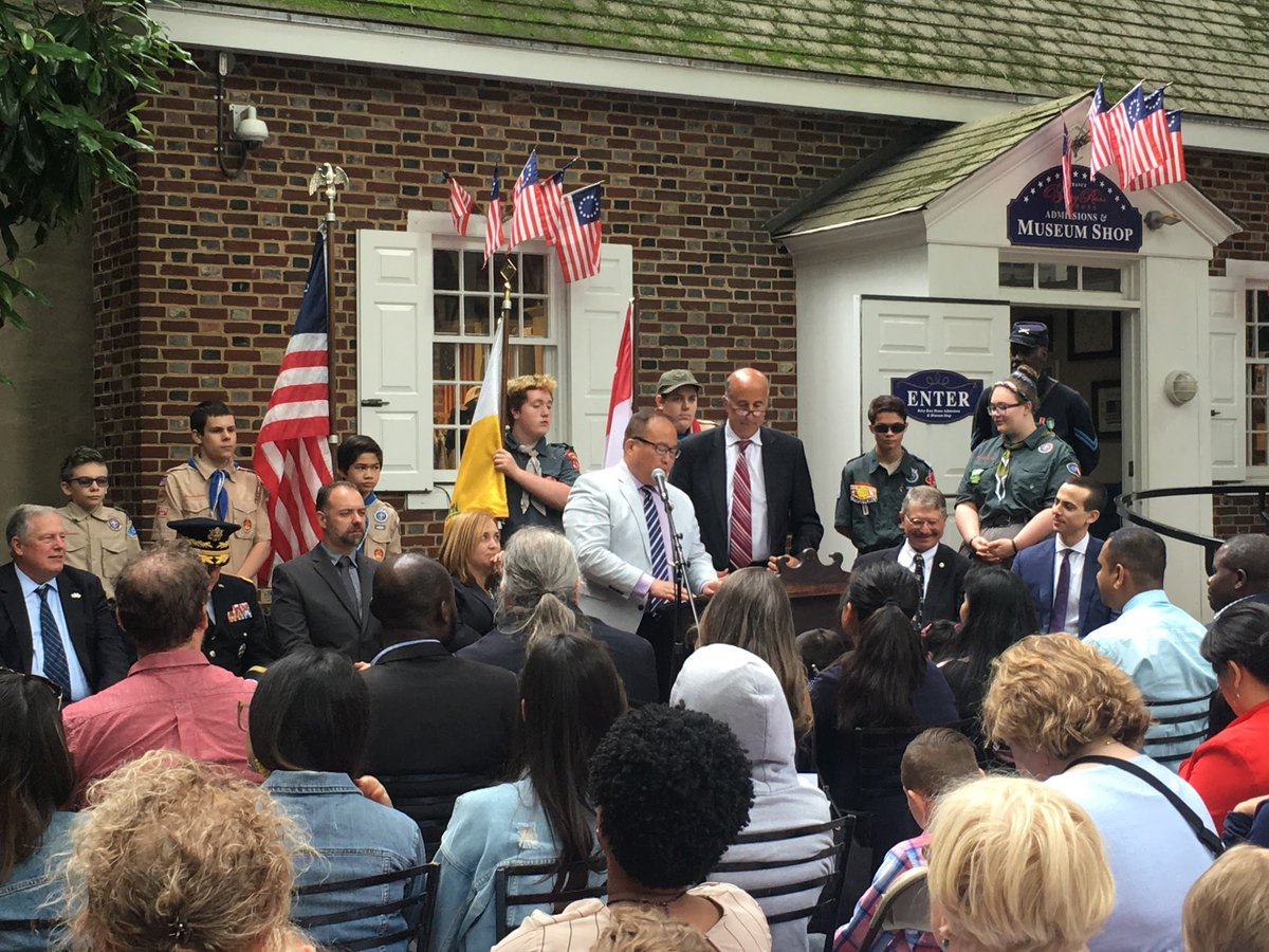 Presenting a @PHLCouncil Citation with @CMMarkSquilla to commemorate #FlagDay at the @BetsyRossHouse. <br>http://pic.twitter.com/9BTbkSiBxq