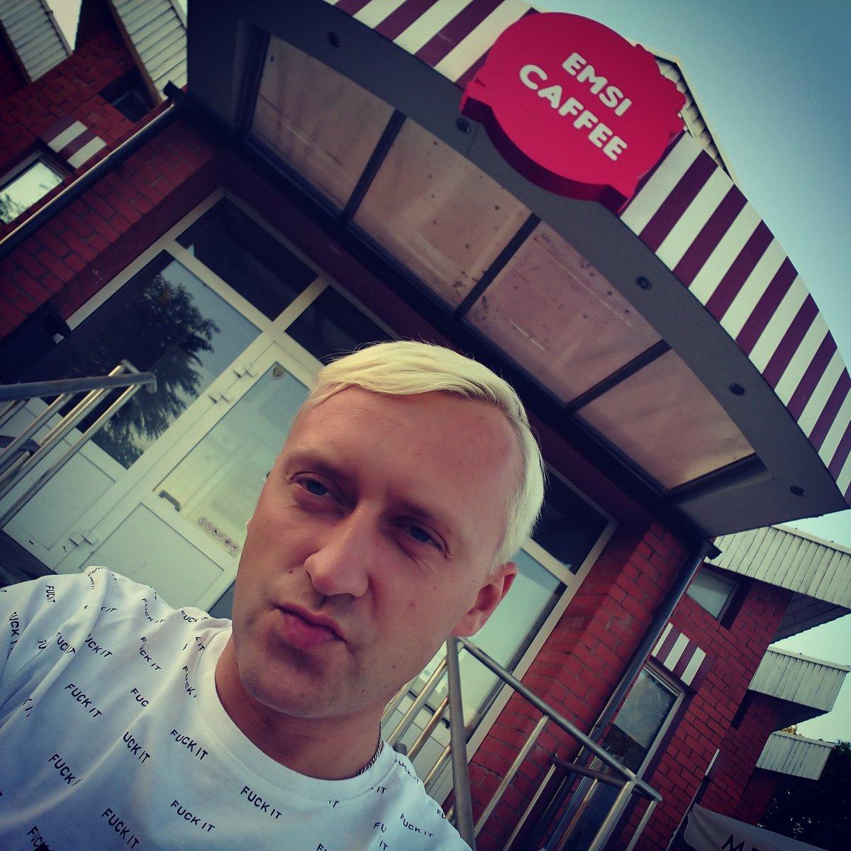 Šovakar tiekamies kur? Pareizi, gaumīgajā mājīgajā EMSI CAFFEE Līvānos! Nāciet, brauciet, teleportējies ciemos! #latvia #livani #emsicaffee #exdabass #seeya
