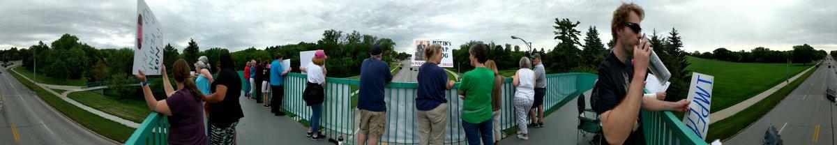 Rallying to #ImpeachTrumpNow on the Memorial Park Bridge in Omaha. @NGProgressives @IndivisibleTeam<br>http://pic.twitter.com/KOTfopZKvo