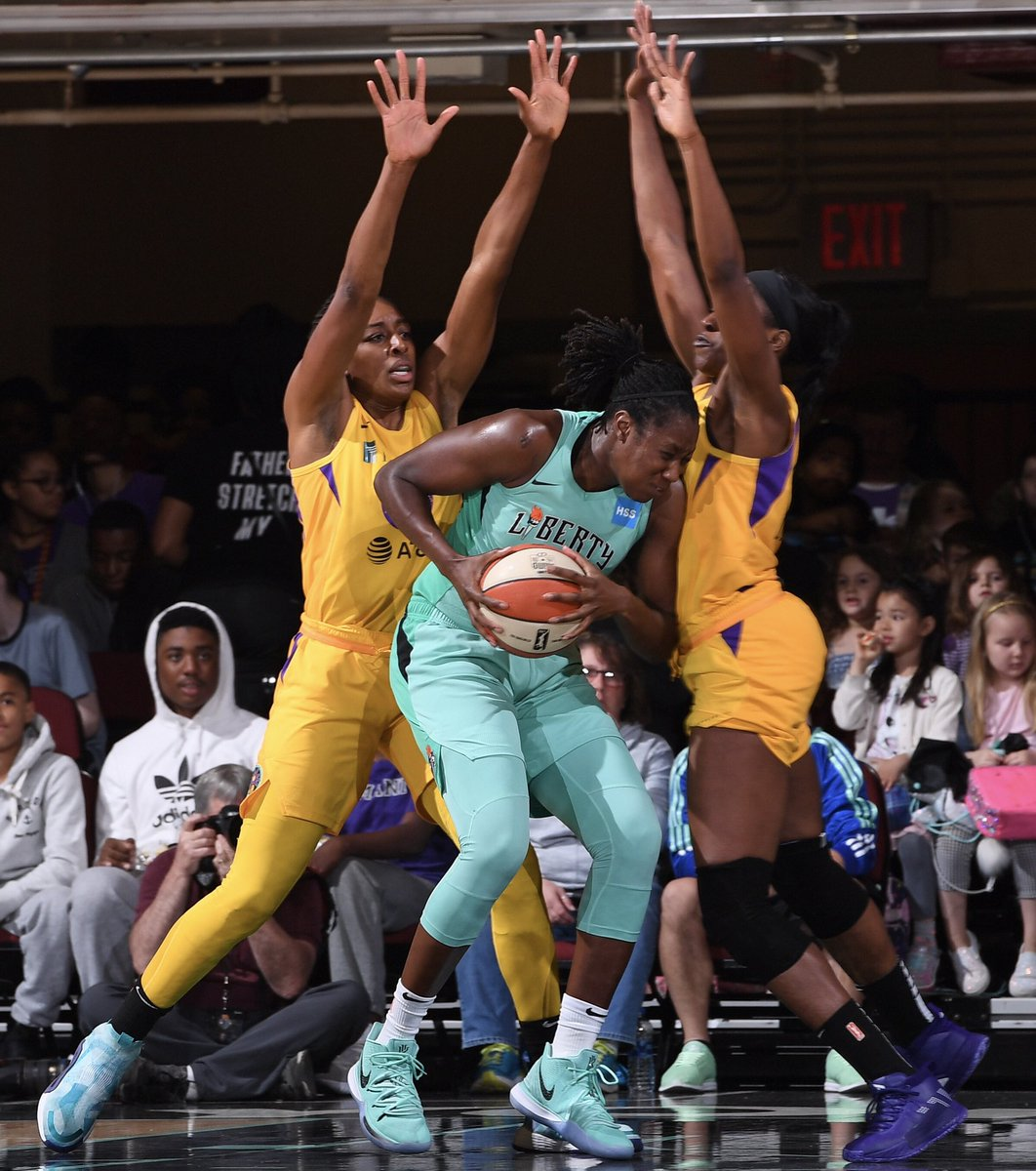 The Great Wall of Ogwumike's   #GoSparks #LeadTheCharge