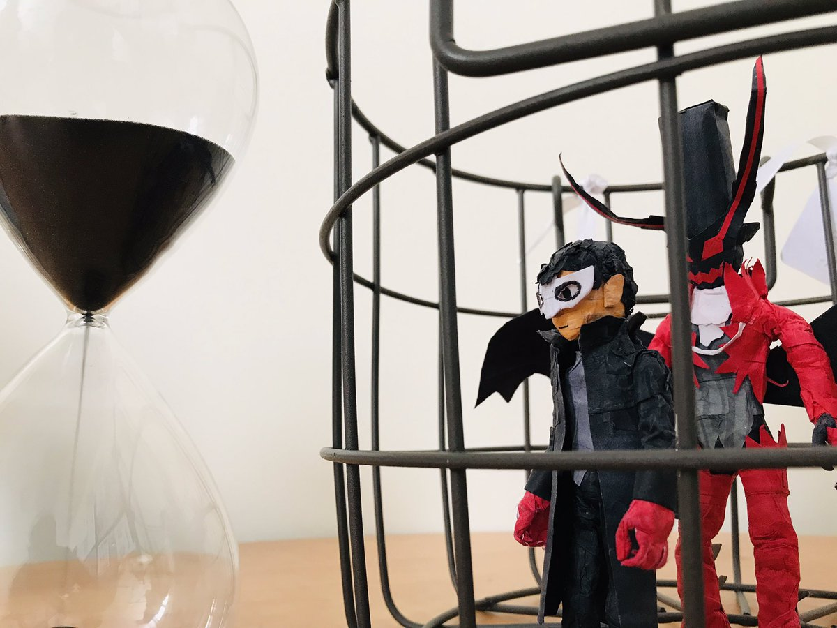 #P5 #Persona5 #ペルソナ5 #Persona #Atlus #artsandcrafts A picture of Joker trap in a cage.