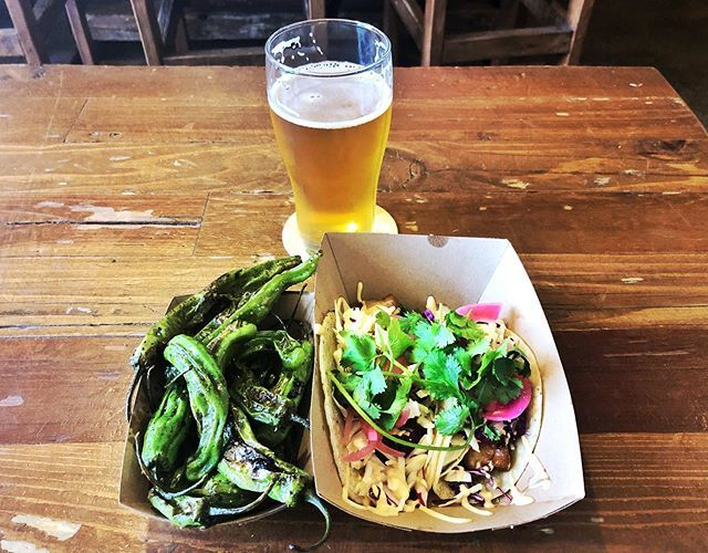 Post PT lunch at @lacumbrebrewing provided by @kitsuneabq and their awesome #PorkBelly #Tacos and #Shishito #peppers paired with the new #WoodlandParadise #IPA collab with @cannonballcreekbrewingco is frickin' delicious! #Albuquerque  #NM  #nmbeer  #Burq… http://bit.ly/31yNkoP