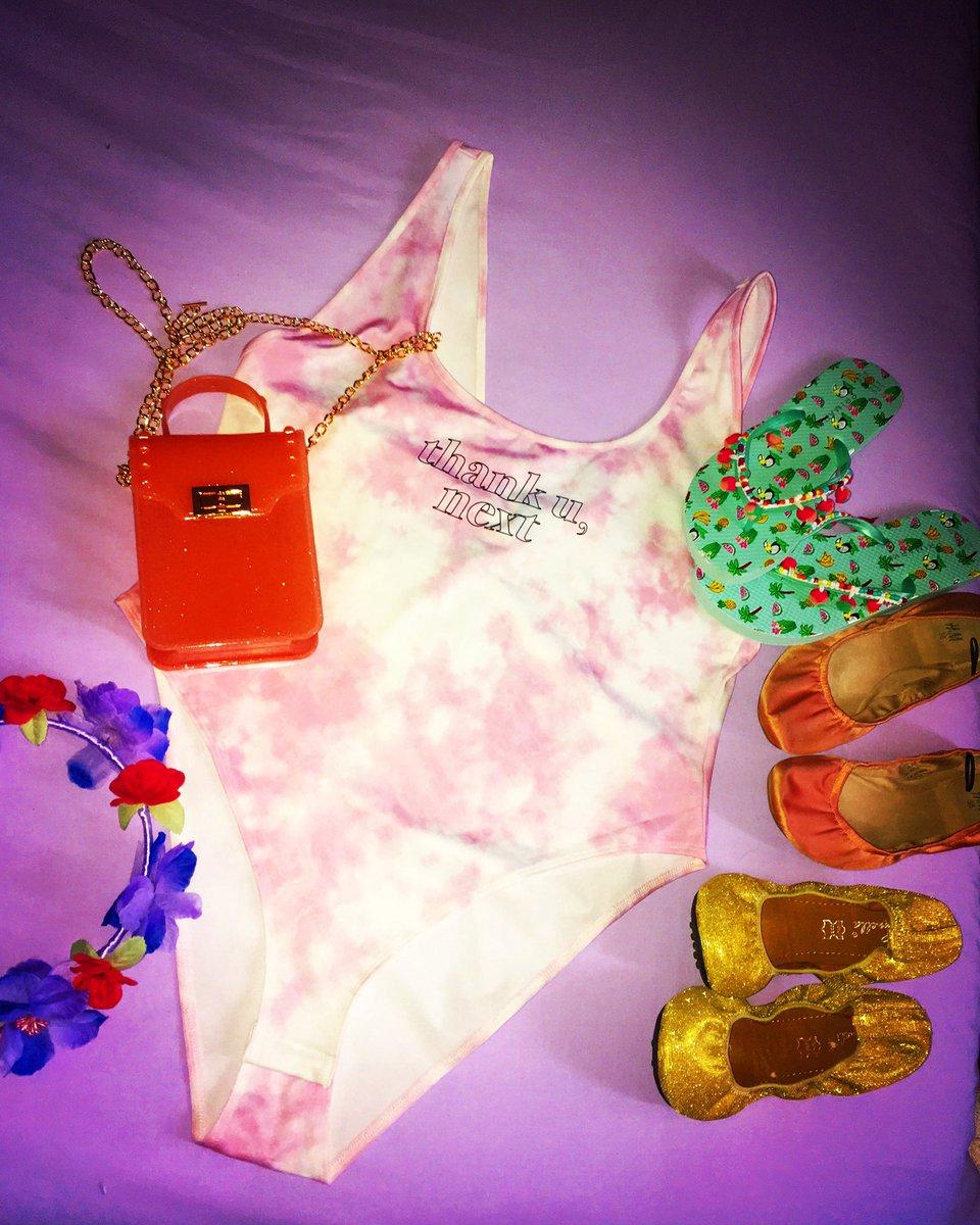 #mode #soleil #vacances #farniente #plage #Espagne #club #disco #amour #amies #cocktails #deauville #trouville #champagne #amitie #TPMP #transat #fleurs  #solaire #nuit il y a le ciel 🌌 le soleil ☀️ et la mer 🌊 l'Eté approche, saison qui nous comble de bonheur et d'Amour ❤️❤️❤️