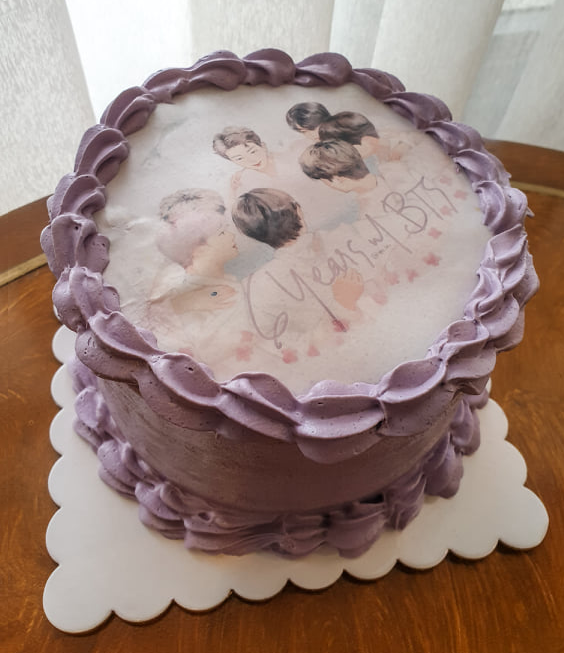 My friends printed my OT7 Fanart on a cake for their party TT I wasnt able to go but at least my art is there jhfksd