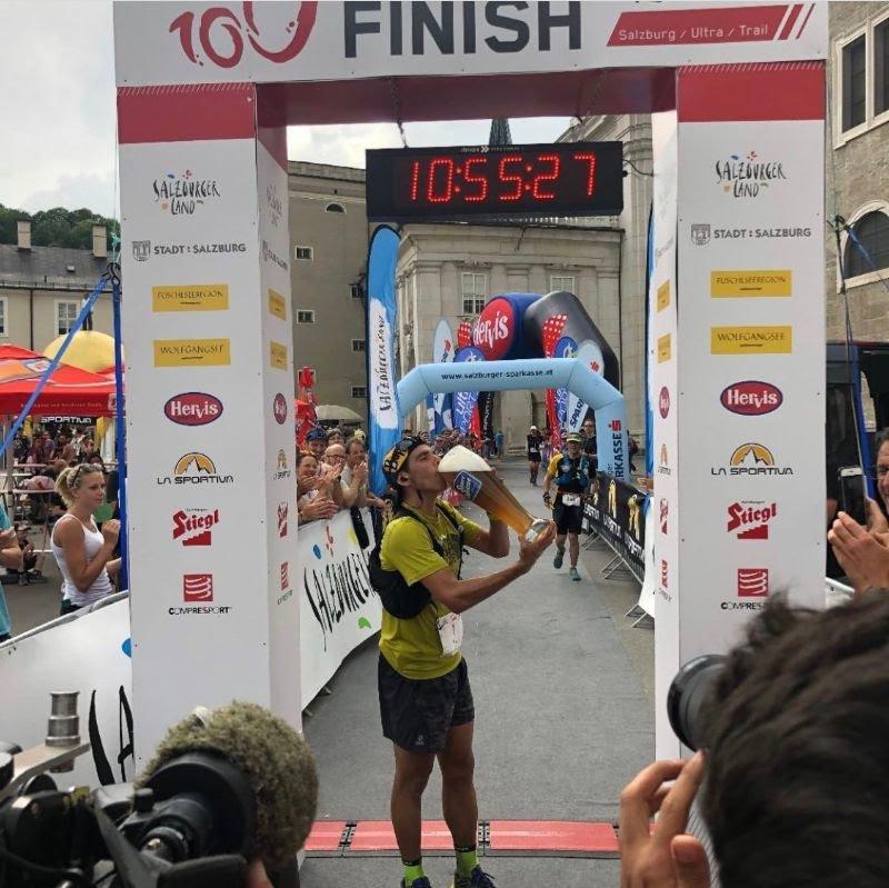 Pau Capell gana la #Mozart100, prueba del Ultra-Trail World Tour. La semana pasada ganó el Maratón de #TenerifeBluetrail. Impresionante la temporada que lleva. Crónica: carreraspormontana.com/carreras/pau-c…