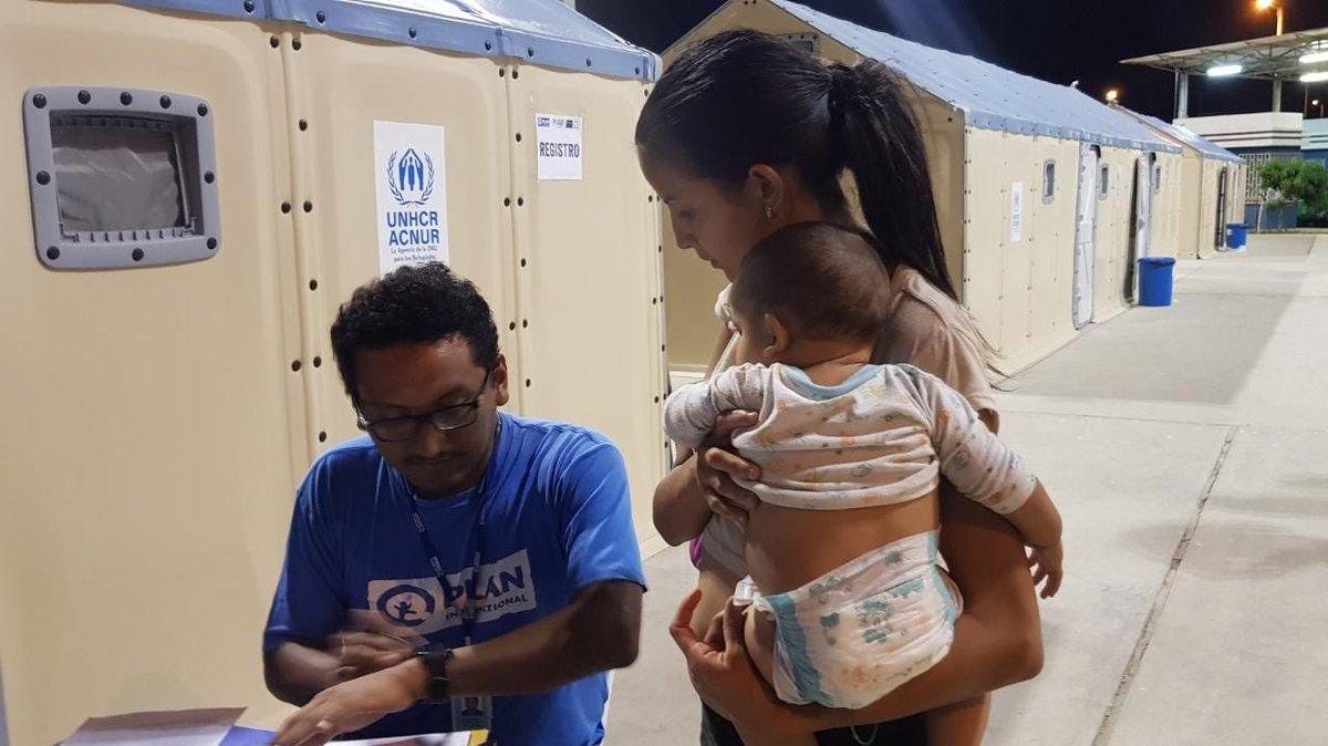 A record number of Venezuelan refugees and migrants arrived at the border with Peru yesterday. Our UNHCR staff are working round the clock, alongside our partners, to respond to their most urgent humanitarian and protection needs. #Venezuela