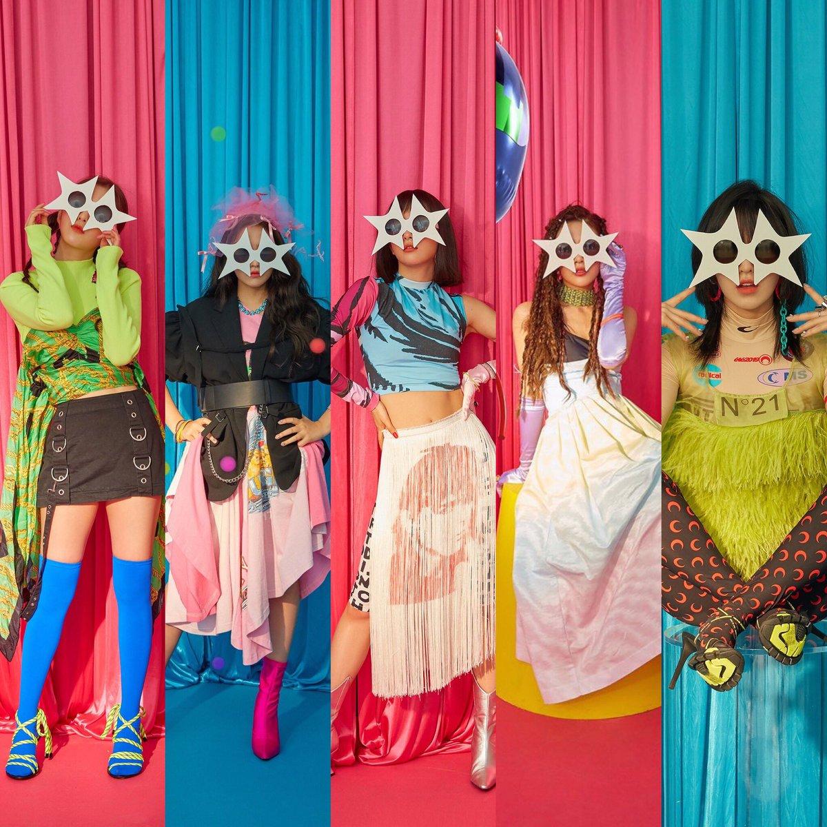 Tracklist oficial do ReVe Festival D1  1. Zimzalabim (title track) 2. Sunny Side Up! - Irene teaser 3. Milkshake - Seulgi teaser 4. Bing Bing - Wendy teaser 5. Parade - Joy teaser 6. LP - Yeri teaser  Pode vir AOTY  #TheReveFestivalD4 @RVsmtown<br>http://pic.twitter.com/HSnKdrdsYW