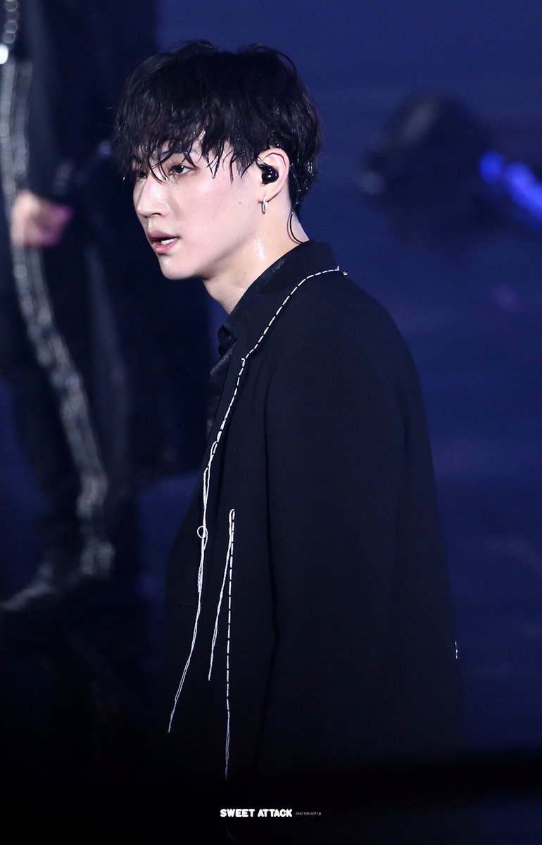 HQ 190615 KEEP SPINNING in Seoul Day 1   #GOT7   #갓세븐   #제이비 #재범 #JB #Jaebeom  #GOT7_SPINNINGTOP                              #GOT7_BETWEEN_SECURITY_AND_INSECURITY #GOT7_ECLIPSE <br>http://pic.twitter.com/P0lzAEgezd