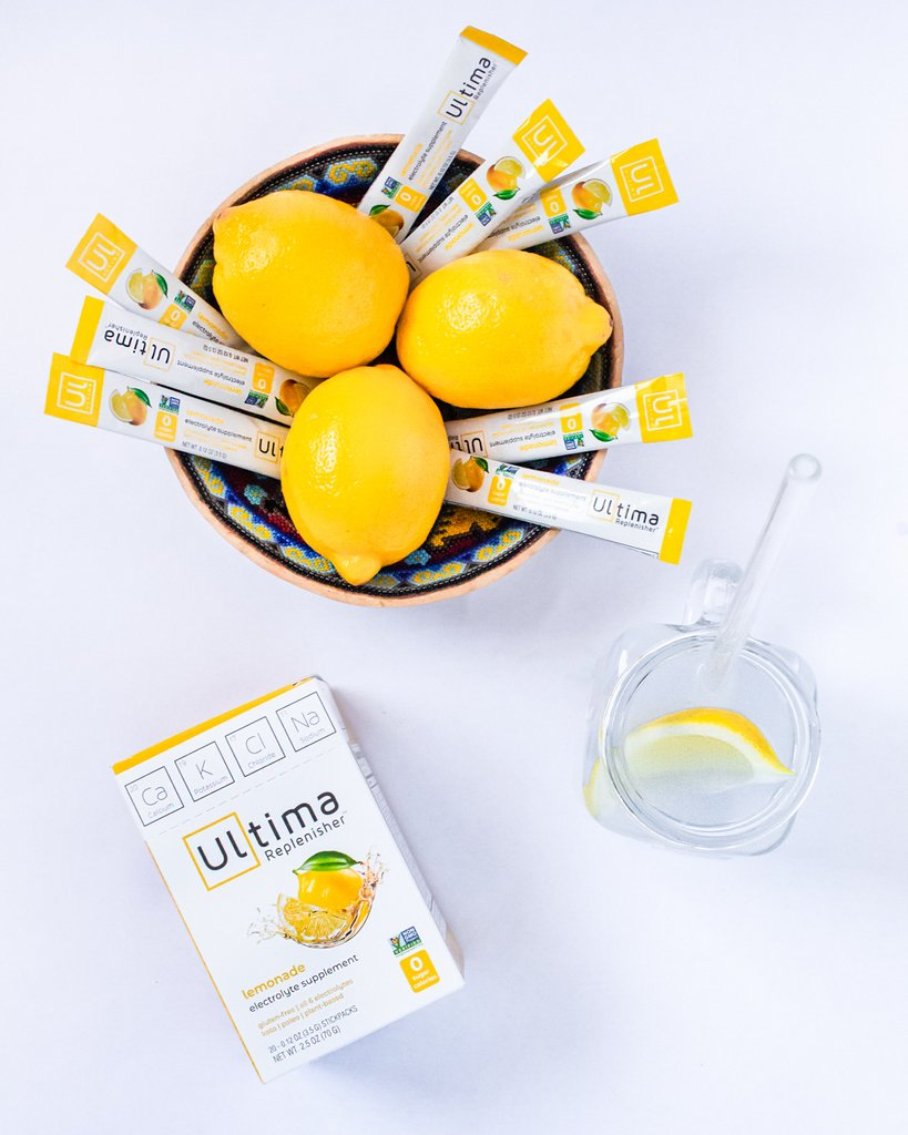 A little lemonade is the perfect summer companion. Grab some Ultima Lemonade Stick Packs & get your electrolytes with Ultima Replenishers pure & simple ingredients 🍋 #GoUltima . . . . #ultima #ultimareplenisher #stayhydrated #electrolytes #zerocalories #hydrate #summer