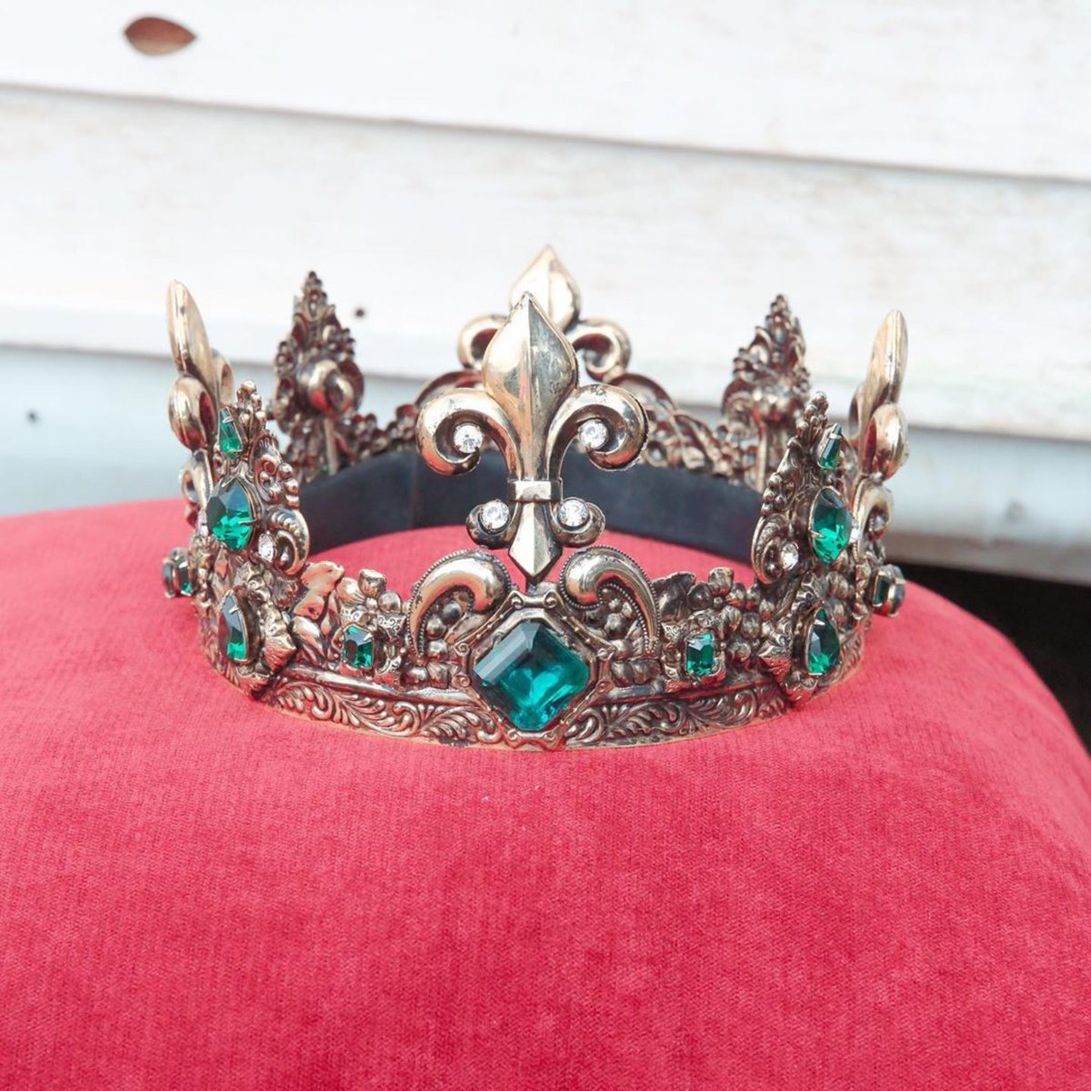 We all got crowns 👑💕