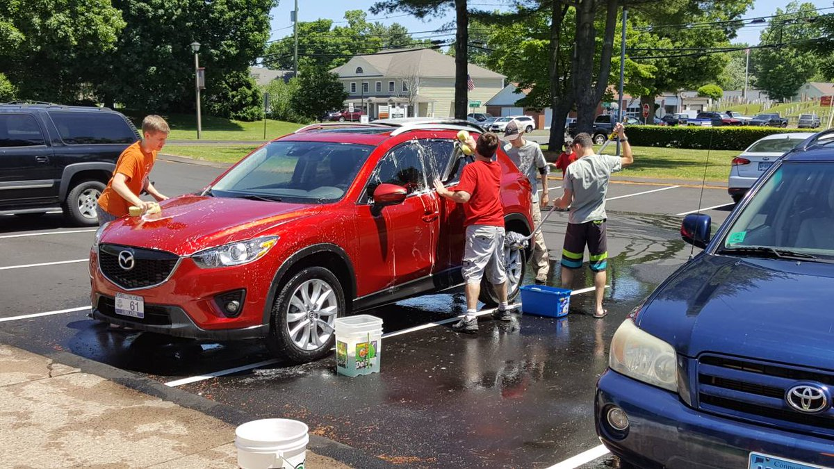 Car wash today at East Granby Volunteer Fire Dept, great job by the Boy Scouts of Troop 70! Open until 3pm. #EastGranbyCT #boyscouts #carwash #community