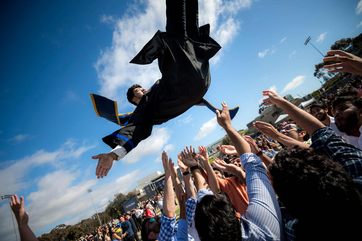 Graduates today join the ranks for more than 190,000 @UCSDalumni worldwide #ucsd2019 #TritonGrad https://commencement.ucsd.edu/