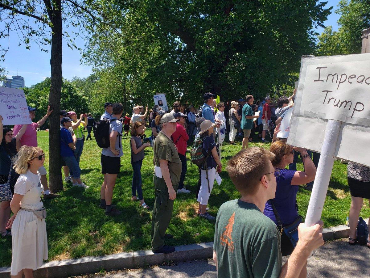 Smallish but robust crowd on the Boston Common. #ImpeachmentInquiryNow #ImpeachTrumpNow #ImpeachTrump<br>http://pic.twitter.com/04b4p6omQO