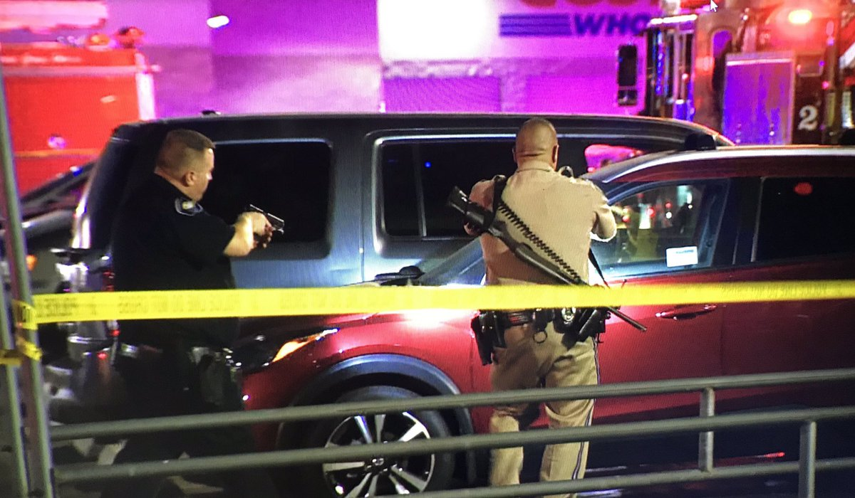 #BREAKING: The alleged shooter that killed one and injured two more Friday night inside a #Corona #Costco is an off-duty @LAPDHQ Officer, @joybenedict confirms with @CoronaPD. Details as to what sparked the shooting are still under investigation. #CBSLA<br>http://pic.twitter.com/a0tQ9SC6iL