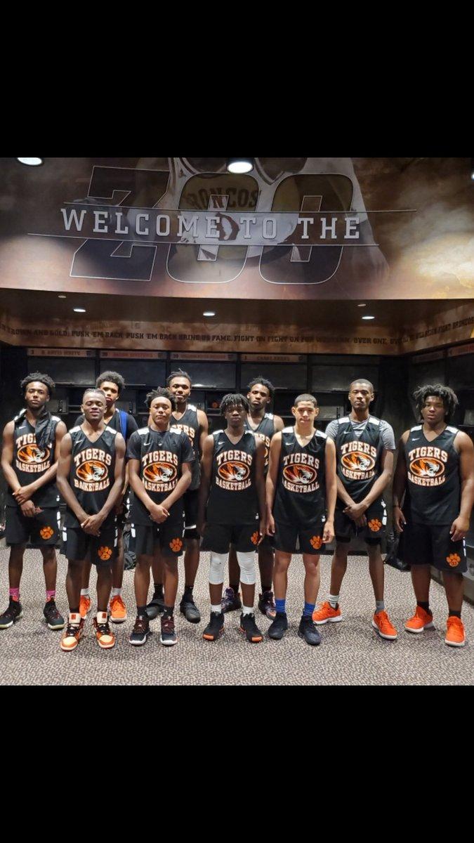 Benton Harbor Tigers Basketball (@BHTigersbball) | Twitter