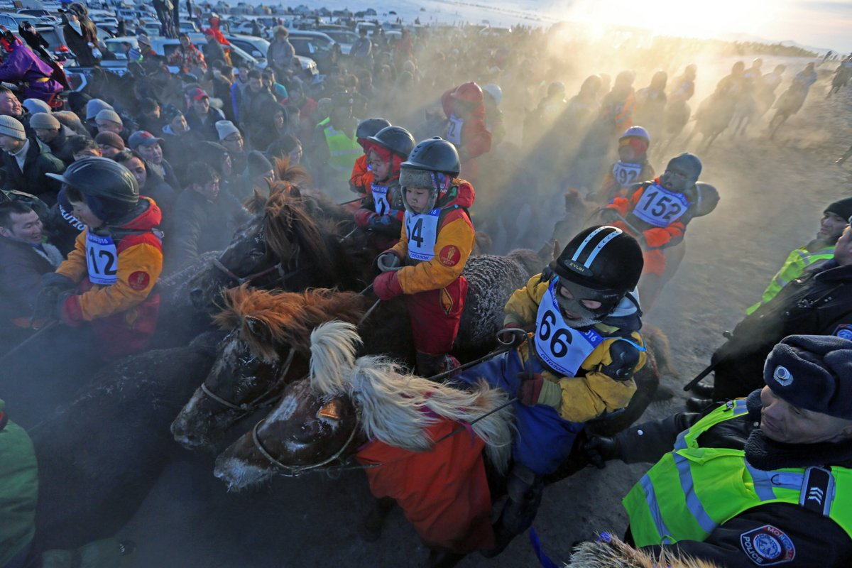 Mongolia's child jockeys are racing for their lives — in pictures https://aje.io/ba2qg