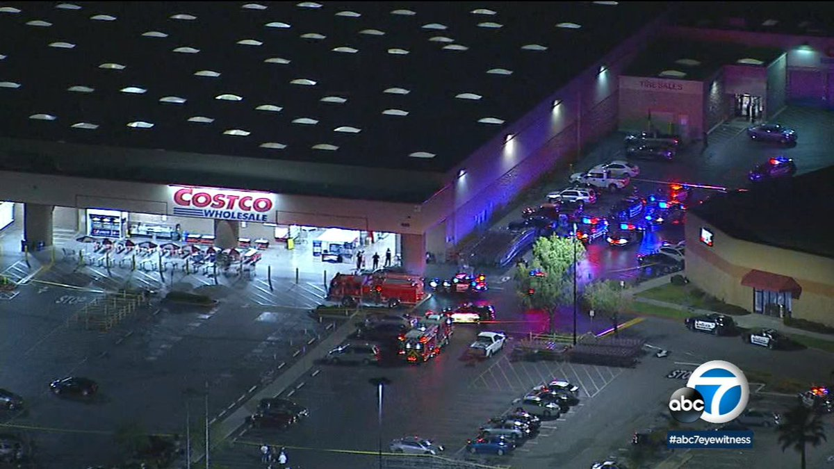 #BREAKING Off-duty LAPD officer fired his gun in shooting at Corona Costco that left 1 dead and 3 injured, police now say  http:// abc7.la/2IPPHuK    <br>http://pic.twitter.com/NT62ZMkymu