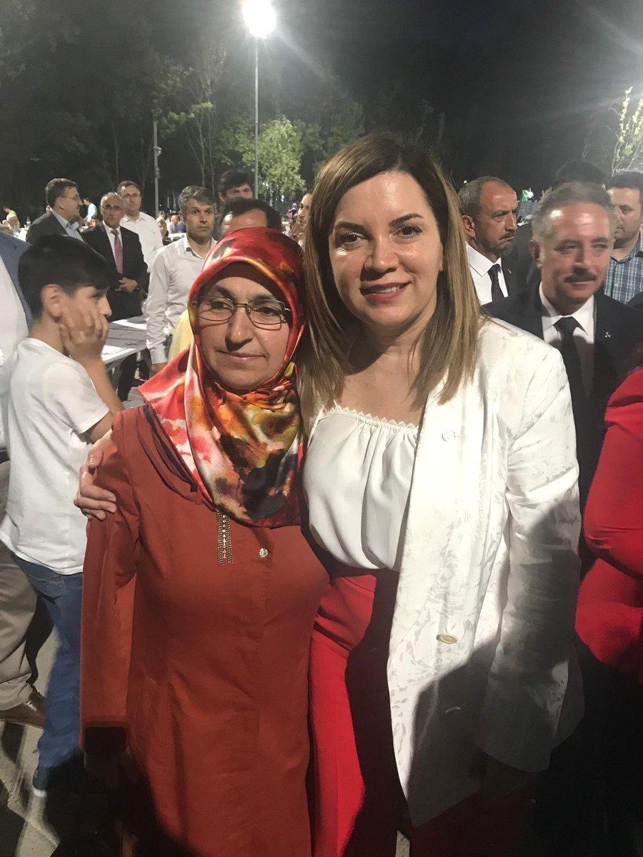 """""""Fethin 566 yıllık emaneti olan İstanbul zelil ve zillet hesaplarla öğütülemez. Buna müsamaha gösterilemez. İstanbullu kardeşlerim bu oyuna gelemez, umudum odur ki, gelmeyeceklerdir."""" Lider Devlet BAHÇELİ @dbdevletbahceli   İstanbul Binali Yıldırım'da @BY kararlı..."""