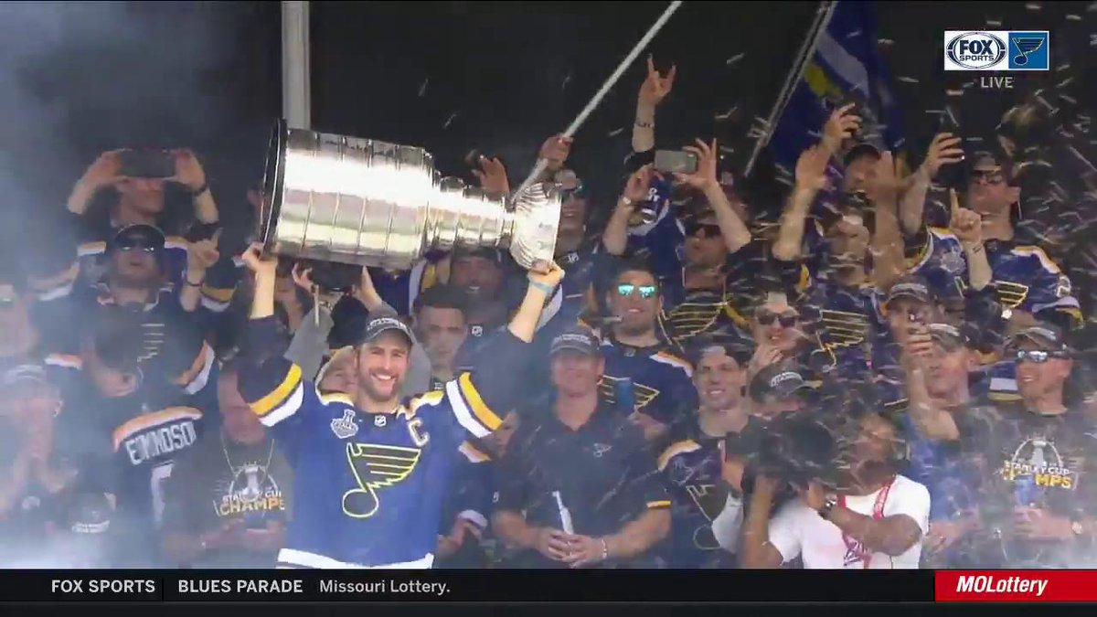 RT @FSMidwest: Ladies and gentlemen, your Stanley Cup champion St. Louis Blues! #stlblues https://t.co/0IQAigP5vM