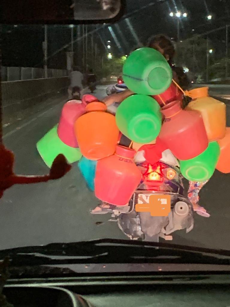 Just captured this Pic at 1AM..#ChennaiWaterScarcity #savewater @MemesChennai @news7tamil @ThanthiTV @thatsTamil @sunnewstamil @PTTVOnlineNews