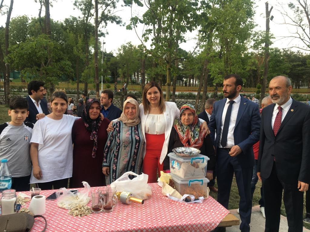 """""""Duruşumuz millidir, safında durduğumuz yer Türkiye'dir. Mücadelemiz millet içindir, İstanbul'un dirliğine odaklıdır. Milli bekayı yaşatmak taviz vermeyeceğimiz ilke ve inancımızdır."""" Lider @dbdevletbahceli   İstanbul kararlı, 23 Haziran'da da mücadelemiz destan yazacak."""