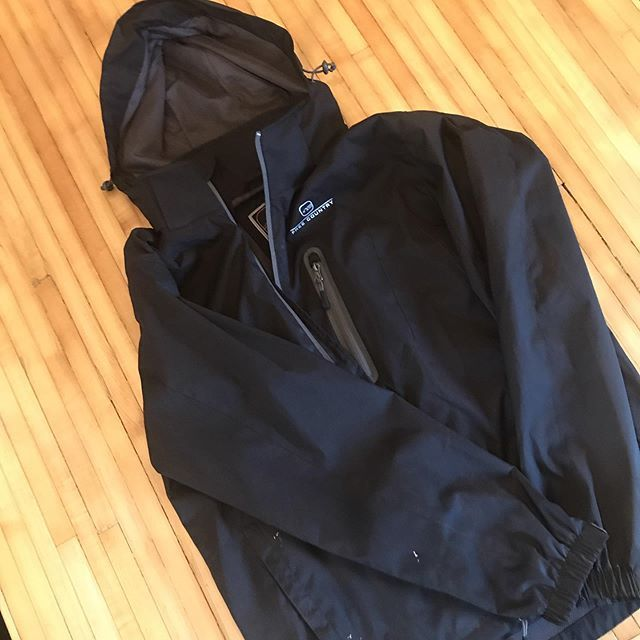 Missing a jacket from the @usatf Wisconsin meet today?!? Let me know and claim at practice!  http:// bit.ly/2WEFhmF    <br>http://pic.twitter.com/A0IByWdXVd