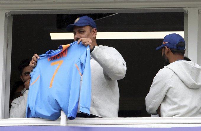 """ How many times India wins AsiaCups? ""Ravi Shastri: #IndiaVsPakistan#INDvPAK"