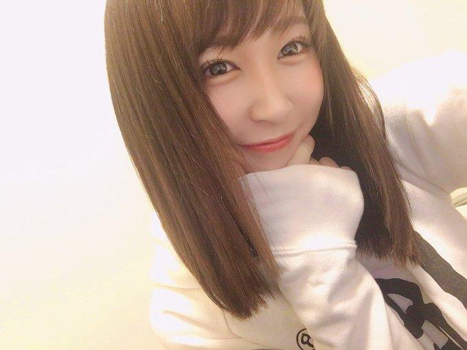 グラビアアイドル高橋美憂のTwitter自撮りエロ画像46