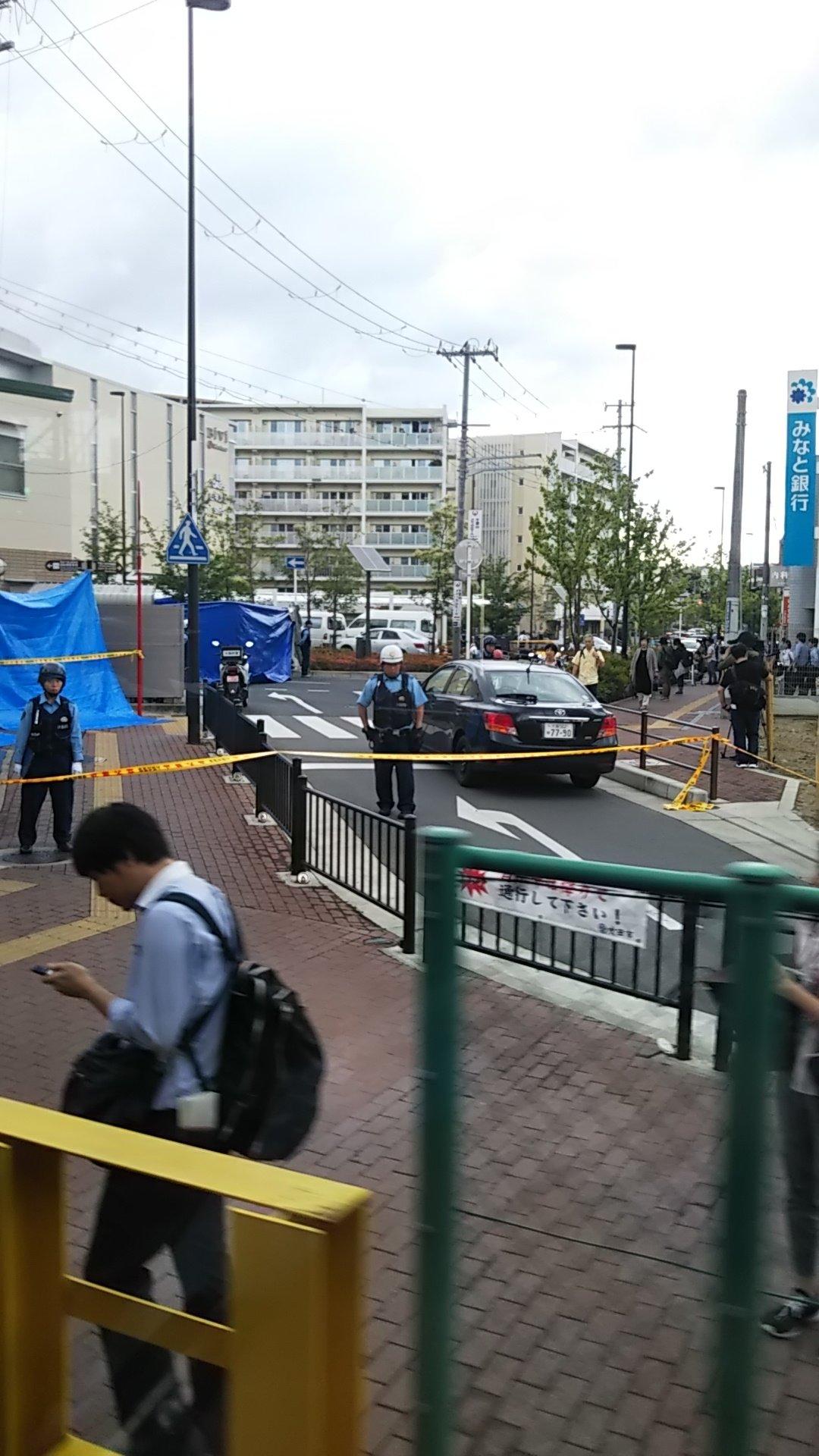画像,現在の千里山駅犯人が捕まってないとあって、厳守警戒してますマスコミもいっぱい三枚目当該事件現場建物 https://t.co/mitXNw8qVd…