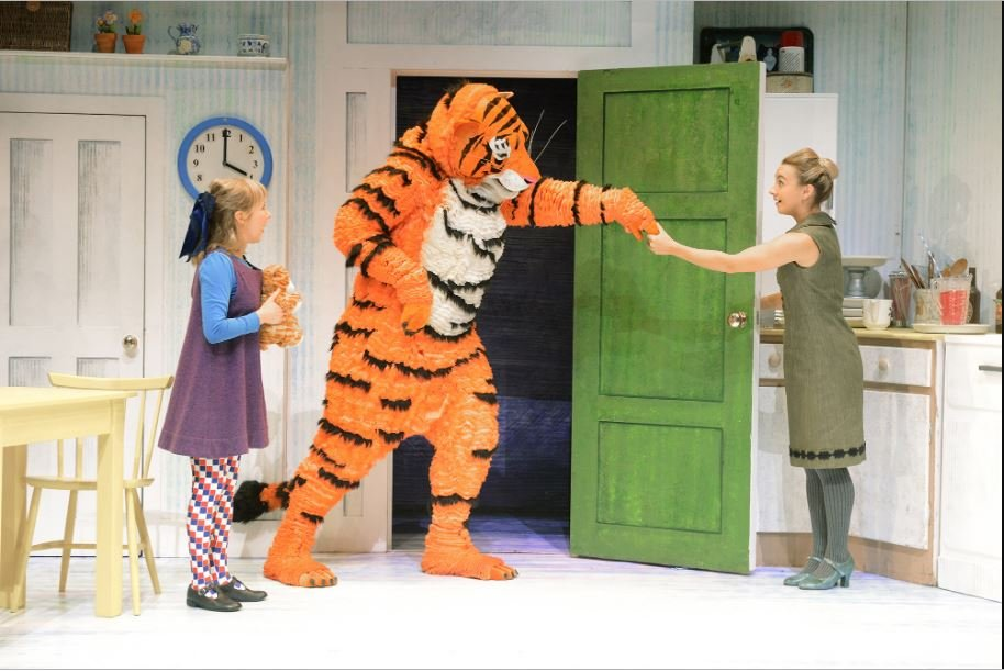 LAST CHANCE - The Tiger Who Came To Tea at New Wimbledon Theatre - Sunday 16th June 2019. Sun at 11:00 and 14:00. Running Time is 55 minutes. Age guidance 3+ londontheatre1.com/shows/the-tige…