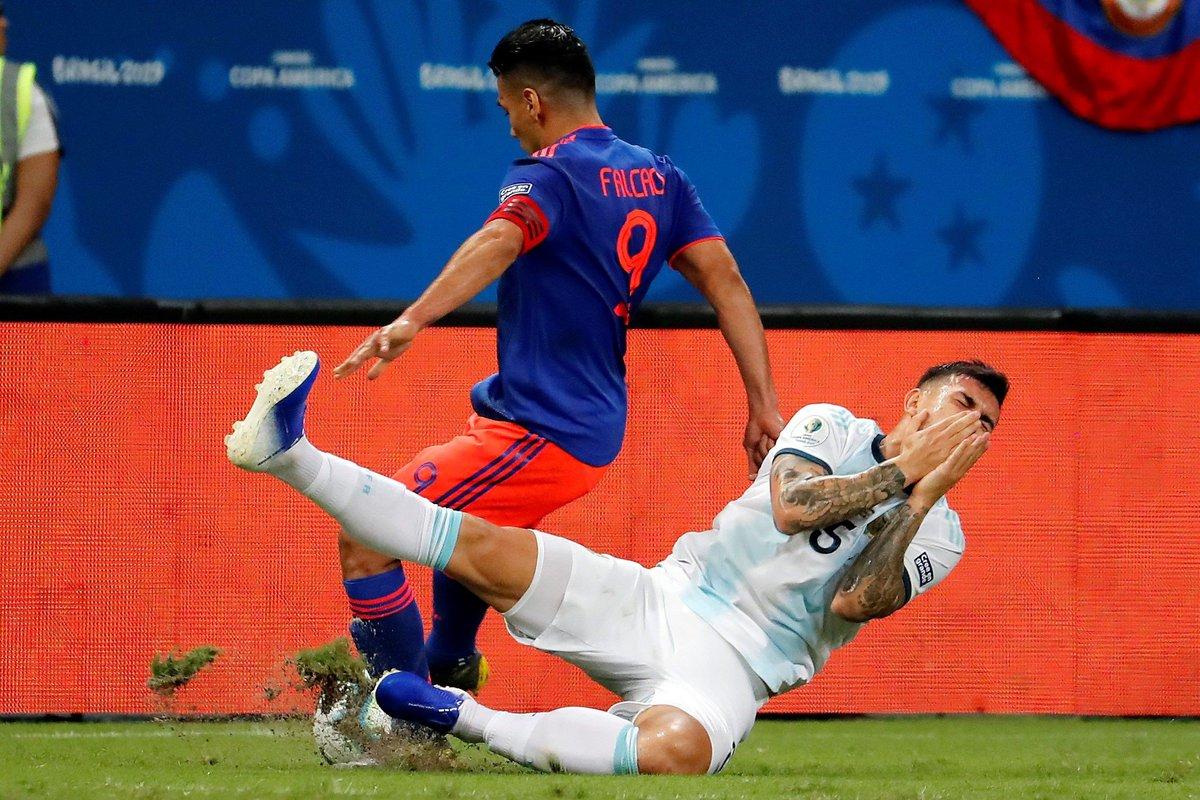 КА. Аргентина - Колумбия 0:2. Когда у сборной нет тренера, и Месси не поможет - изображение 4