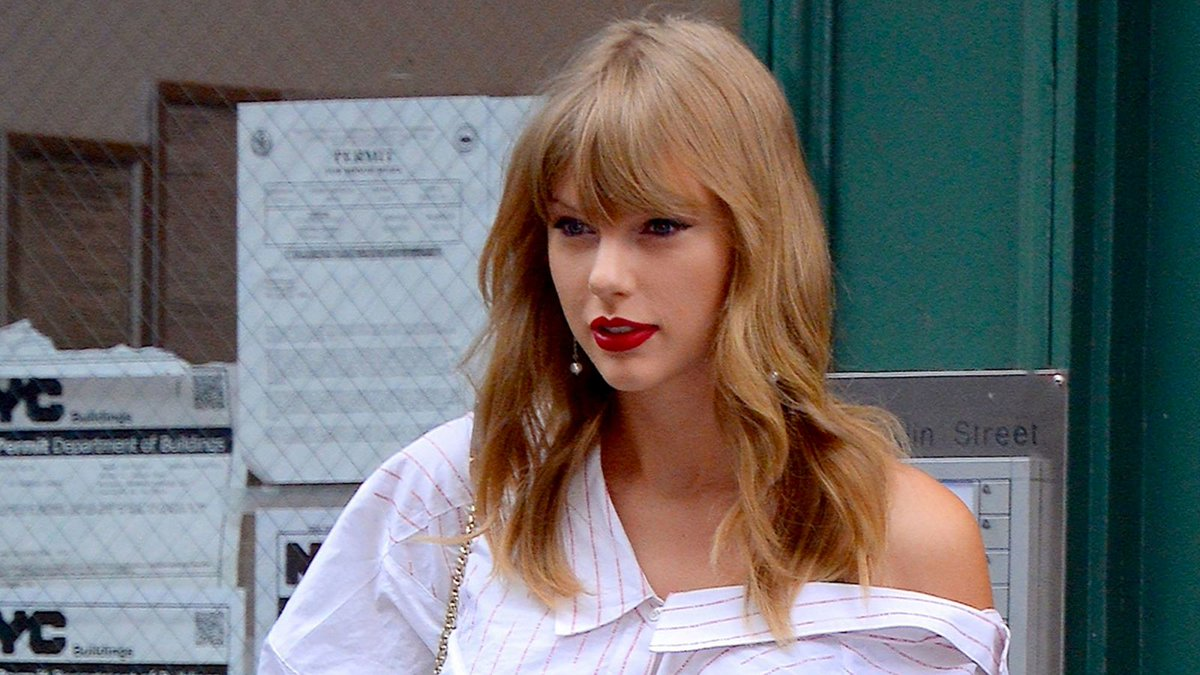 Panicking Taylor Swift Realizes It Too Late To Call Off Assassination After Katy Perry Makes Peace Offering  https:// trib.al/WM3jXVR    <br>http://pic.twitter.com/3evsJ7fEaF