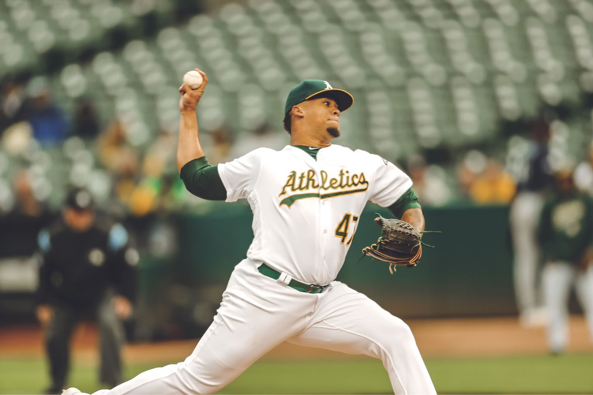 The boys were ROLLING tonight!   FINAL: #Athletics 11 Mariners 2 #RootedInOakland <br>http://pic.twitter.com/a2w1BwSqKd