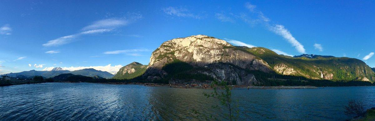 #mountains #shadows #lake #bluesky #clouds #squamish #adventure #pano #beautifulbc https://t.co/km5qHiF2AS