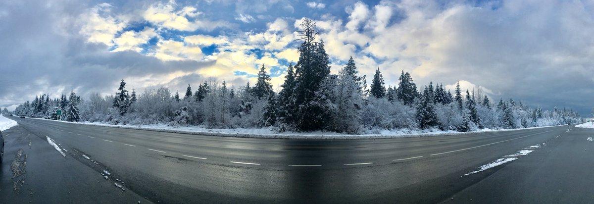 #snowday #pano #qualicumbeach #vancouverisland https://t.co/QWtvWEnR7I