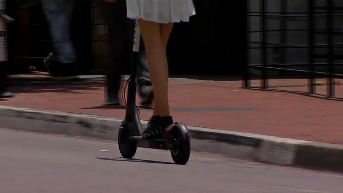 Chicago Debuts Shareable Electric Scooter Program: Today marks the first official day that electric scooters are available to rent in the city of Chicago, with 10 companies offering the scooters. NBC 5's… http://dlvr.it/R6hCmh  #ImpeachTrump #ImpeachKavanaugh #TheResistance