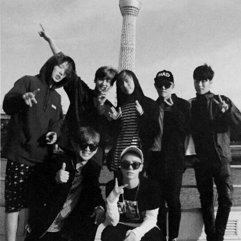 D-5 and we are still here #JUS7FORiKON<br>http://pic.twitter.com/JnEyYl505i